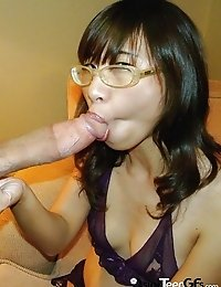 Nice Vietnamese slut sucks big dick