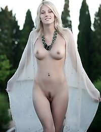 Yummy Blonde Gets Nude In A Public Place And Shows All Her Private Parts For The Camera.