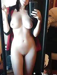 Hot private selfie pics of young naked babe