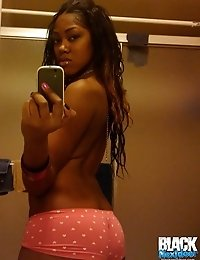 Hot selfshots of young babe